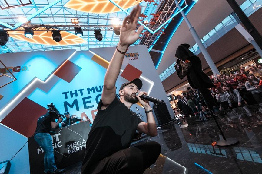 Мот на ТНТ MUSIC MEGA PARTY Фото  Виталий Кривцов, ТНТ MUSIC eb8d0a34f09